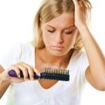 Caduta dei capelli aiutati con il rosmarino