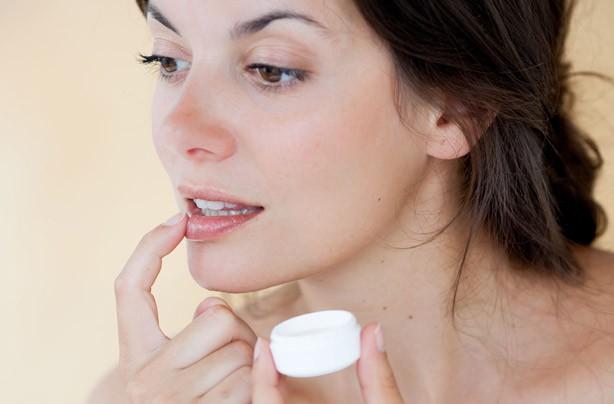 come prendersi cura delle labbra